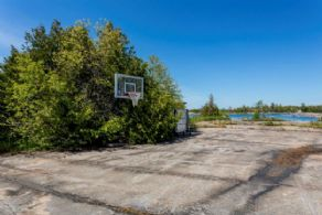Basketball Court - Country homes for sale and luxury real estate including horse farms and property in the Caledon and King City areas near Toronto