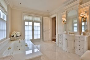 Master Bath - Country homes for sale and luxury real estate including horse farms and property in the Caledon and King City areas near Toronto