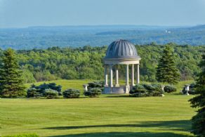 Folly - Country homes for sale and luxury real estate including horse farms and property in the Caledon and King City areas near Toronto