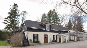 Stable and Arena - Country homes for sale and luxury real estate including horse farms and property in the Caledon and King City areas near Toronto
