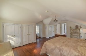 Master Bedroom - Country homes for sale and luxury real estate including horse farms and property in the Caledon and King City areas near Toronto