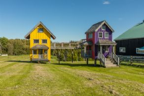Play Houses - Country homes for sale and luxury real estate including horse farms and property in the Caledon and King City areas near Toronto