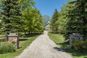 Belvedere House, Caledon, Ontario - Country homes for sale and luxury real estate including horse farms and property in the Caledon and King City areas near Toronto