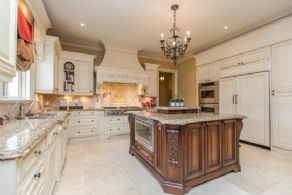 Kitchen Cooking Area - Country homes for sale and luxury real estate including horse farms and property in the Caledon and King City areas near Toronto
