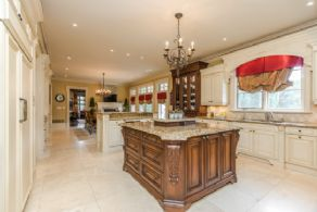 Kitchen with 2 Centre Islands - Country homes for sale and luxury real estate including horse farms and property in the Caledon and King City areas near Toronto