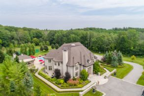 76 Scotch Valley Drive, King City - Country Homes for sale and Luxury Real Estate in Caledon and King City including Horse Farms and Property for sale near Toronto