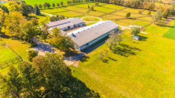 Stable & Indoor Arena - Country homes for sale and luxury real estate including horse farms and property in the Caledon and King City areas near Toronto