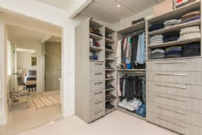 Walk-in Closet - Country homes for sale and luxury real estate including horse farms and property in the Caledon and King City areas near Toronto