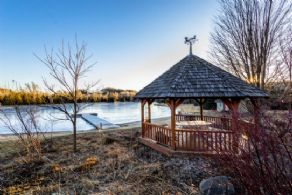 8 Acre Lake - Country homes for sale and luxury real estate including horse farms and property in the Caledon and King City areas near Toronto