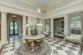 Foyer - Country homes for sale and luxury real estate including horse farms and property in the Caledon and King City areas near Toronto