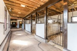 Gallop Stables, Niagara-on-the-Lake, Ontario - Country homes for sale and luxury real estate including horse farms and property in the Caledon and King City areas near Toronto