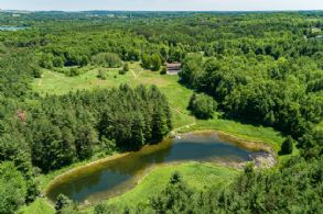Highpoint Retreat, Caledon, Ontario - Country homes for sale and luxury real estate including horse farms and property in the Caledon and King City areas near Toronto