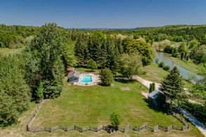 Sheldon Mill, Mono, Ontario - Country homes for sale and luxury real estate including horse farms and property in the Caledon and King City areas near Toronto