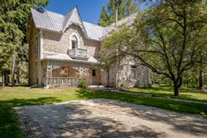 Stone Cottage - Country homes for sale and luxury real estate including horse farms and property in the Caledon and King City areas near Toronto
